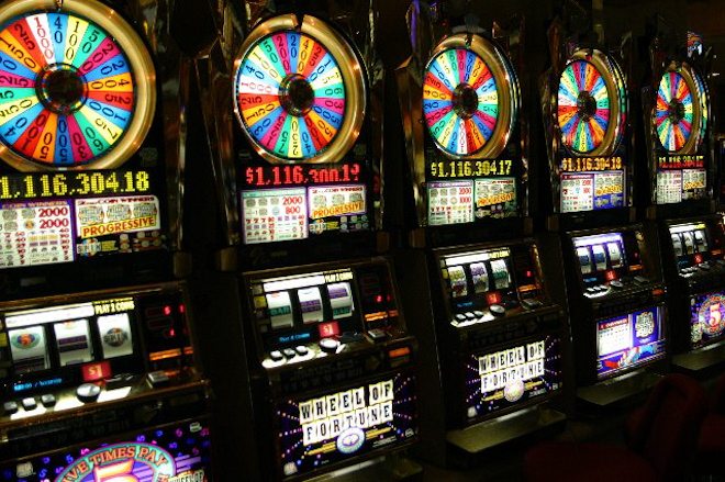 Играйте в клубе Faraonkasino на лучших онлайн слот автоматах